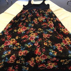 torrid Dresses - NWT FIRM💰Torrid 2X Floral Chiffon Maxi Dress